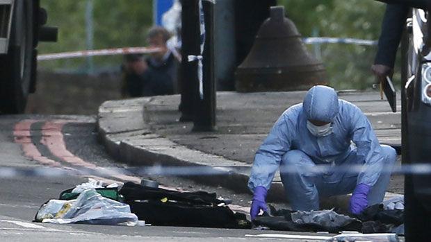 MILITARUL UCIS  LA LONDRA: MI5 a încercat să recruteze unul din suspecţi, afirmă un prieten