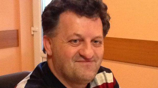 """Primarul comunei Șicula ameninţă cu greva foamei: """"Solicit preşedintelui ţării să-l graţieze pe Gigi Becali"""""""