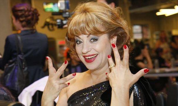 """Godot Café Teatru! Adriana Trandafir, rol de excepţie în """"Mă mut la mama """""""