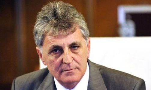 Ministrul Mircea Duşa: Simbolurile naţionale sunt mândria românilor şi trebuie respectate