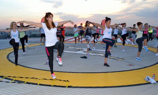 Paula Seling, Alina Puşcaş, Xonia şi Bianca Ioniţă fac sport la înălţime