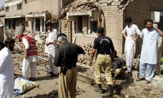 Sute de evadaţi în Pakistan, după un atac al talibanilor