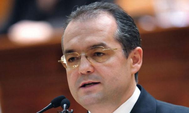 Emil Boc susţine că Victor Ponta este invidios că Traian Băsescu are reacţii umane la situaţii umane, referindu-se la cazul Cioabă