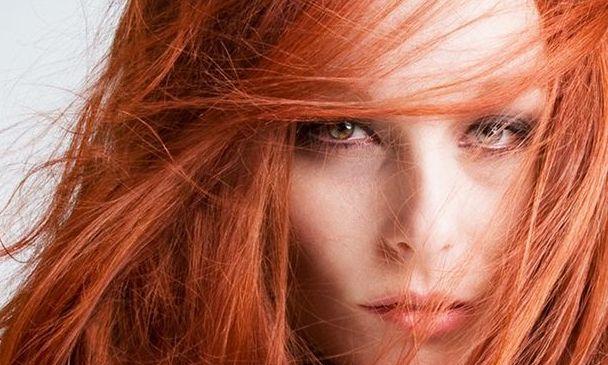 Înfrumuseţare fără riscuri. Totul despre colorarea pielii şi a părului cu Henna
