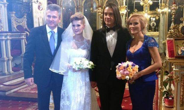 Prima poză cu Alessandra Stoicescu în rochie de mireasă! Prezentatoarea TV s-a măritat cu Sergiu Constantinescu