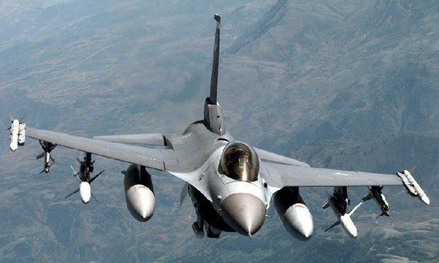 România achiziţionează 12 avioane de vânătoare F-16 din Portugalia