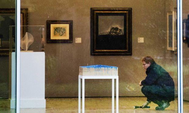 Furtul de tablouri din Olanda: Cei trei inculpaţi şi-au recunoscut faptele