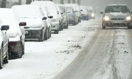 Circulație îngreunată din cauza zăpezii pe drumurile naționale din șase județe