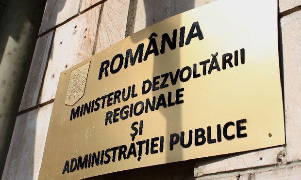 Secretarul general suspendat de la Agrostar, Tudor Dorobanţu, îl dă în judecată pe Ştefan Niculae