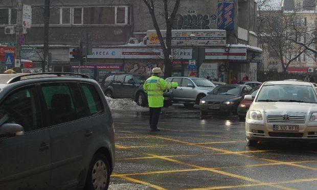 Poliţiştii de la Rutieră tremură până la Crăciun