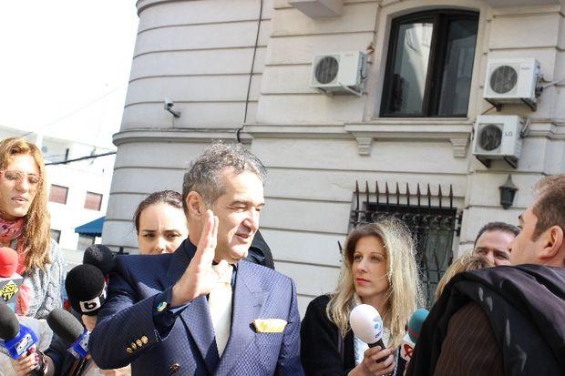 Gigi Becali rămâne cu pedeapsa de trei ani şi şase luni de închisoare