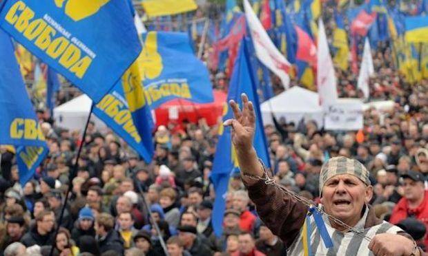 UPDATE. Ucraina: A fost respinsă o moţiune de cenzură împotriva Guvernului Azarov