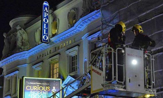 Londra: Plafonul Apollo Theatre s-a prăbuşit în timpul spectacolului