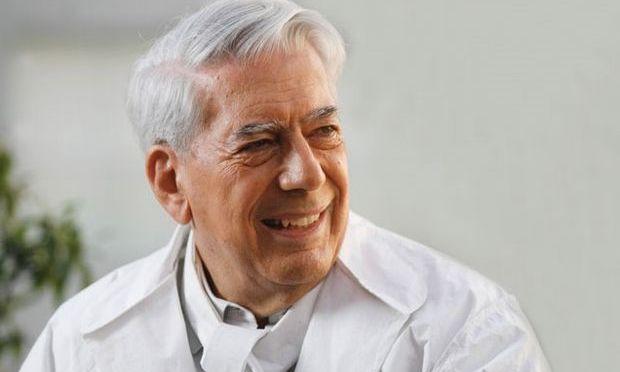Scriitorul Mario Vargas Llosa cere Papei Francisc să destituie doi arhiepiscopi