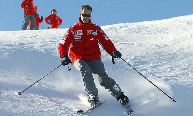 Michael Schumacher este în stare gravă după a doua operaţie