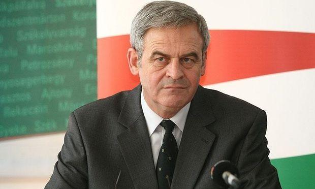 Europarlamentarul LaszloTokes s-a recăsătorit, în Ungaria, într-o discreţie