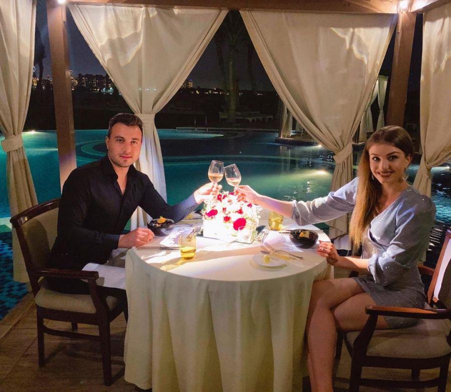 Soții folcloriști Valentin și Codruța Sanfira, VACANȚĂ în Dubai ca în '1001 de nopți'